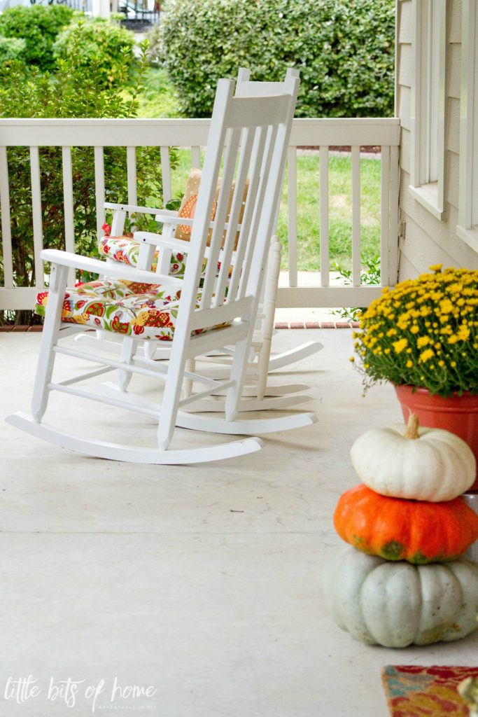 fall-front-porch-rocking-chairs