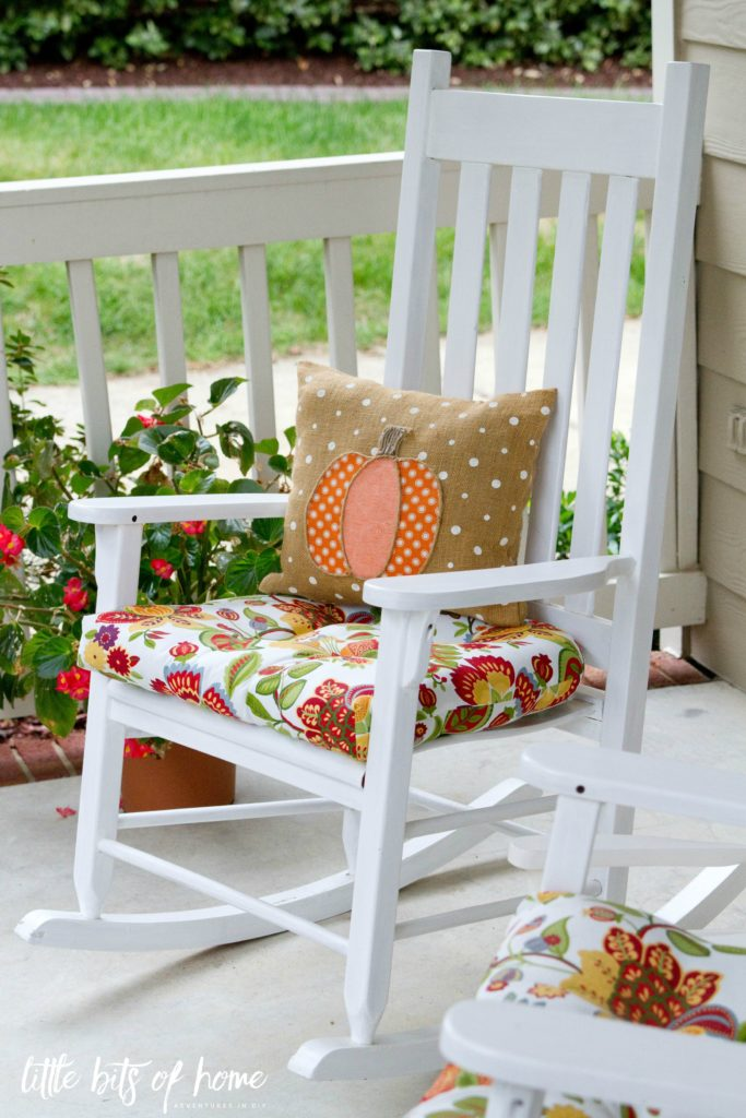 fall-pumpkin-pillow-rocking-chair
