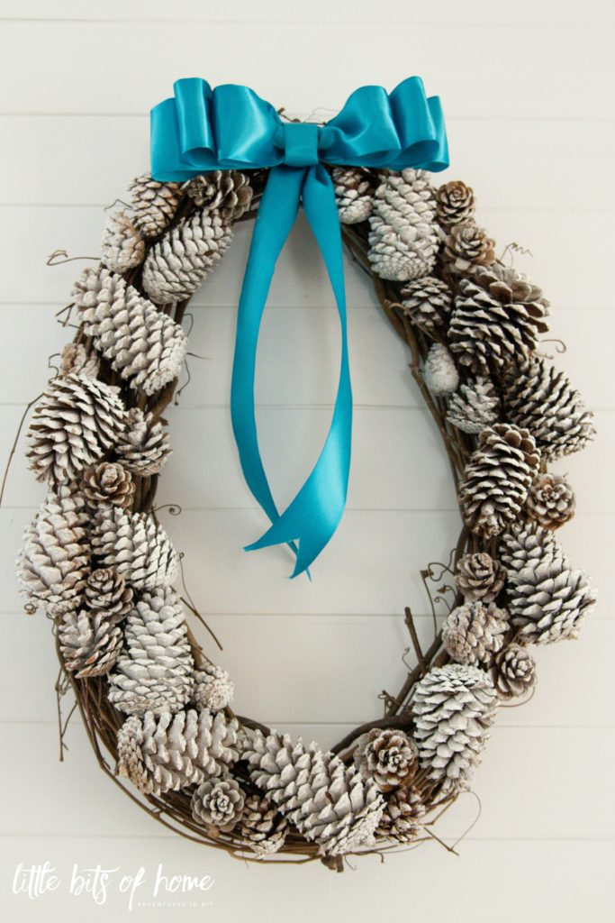 snow-tipped-pinecone-wreath