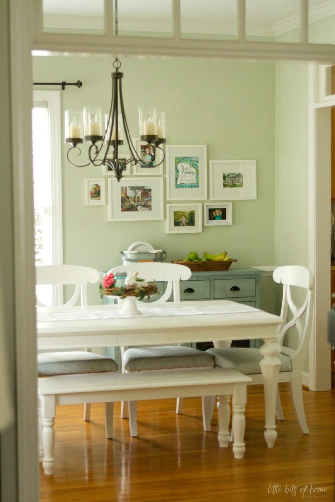 White Dining Table Makeover, How To Paint A Dining Room Table With Chalk Paint